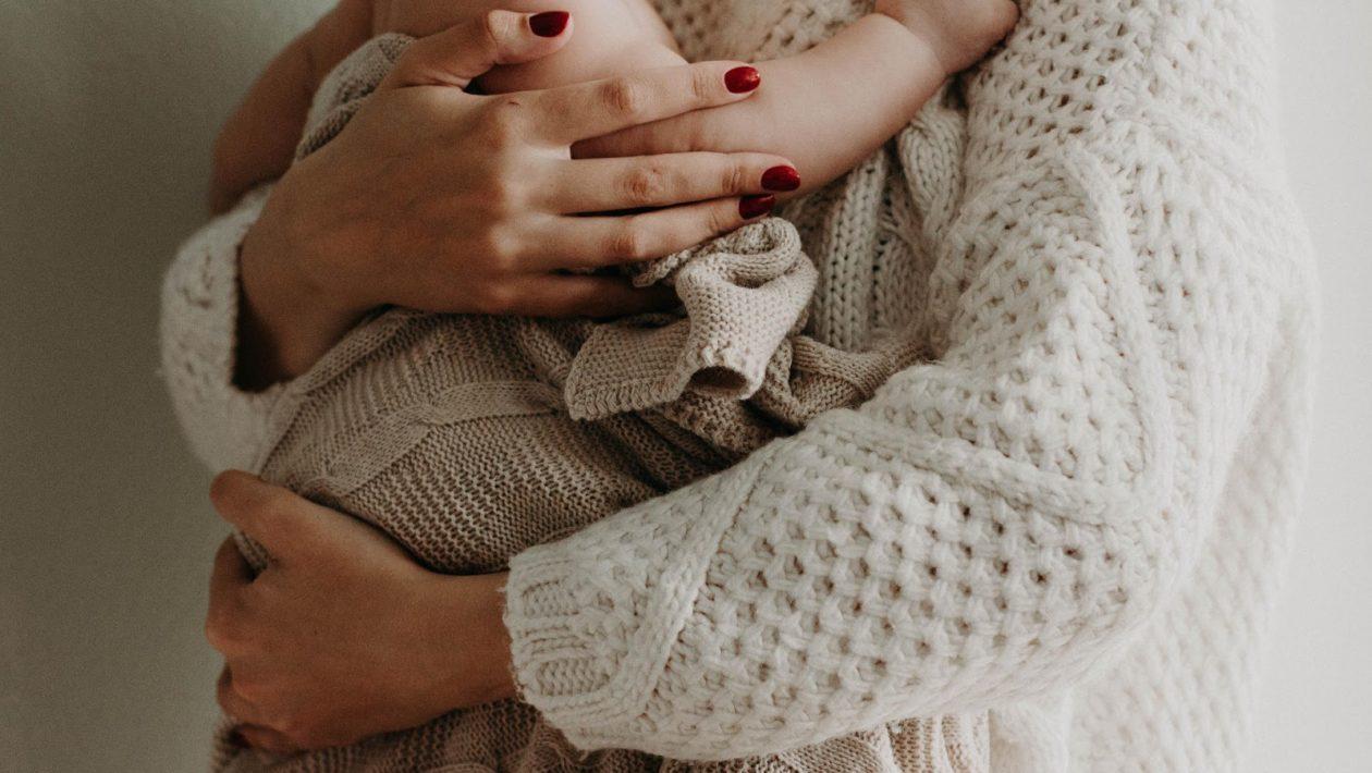 Moms On Materinity